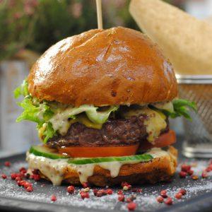 Шеф-бургер XXL с говядиной и картофелем с доставкой по Зеленогорску