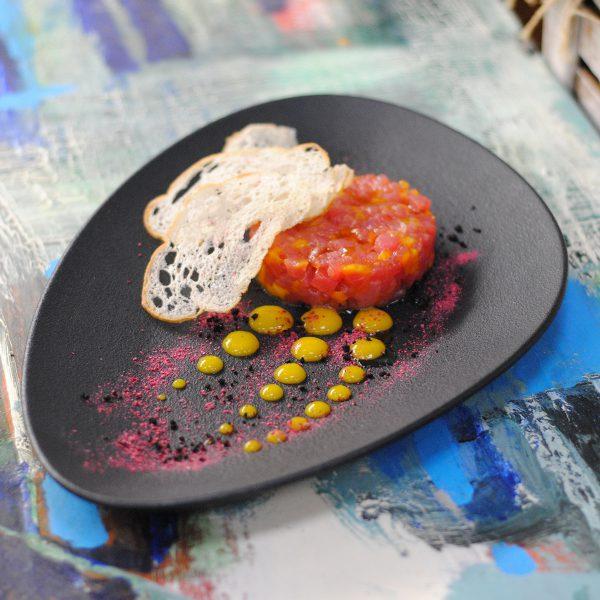 Нежный тар-тар из тунца с манго