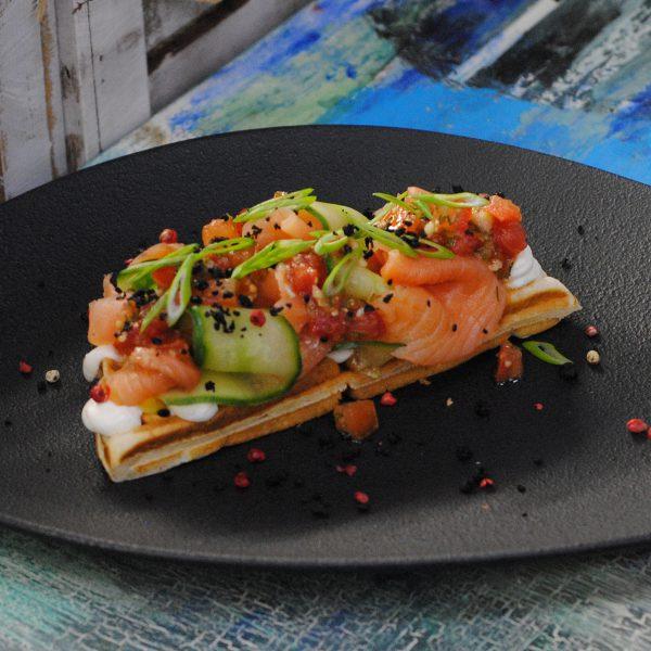 Авторская бельгийская вафля с лососем