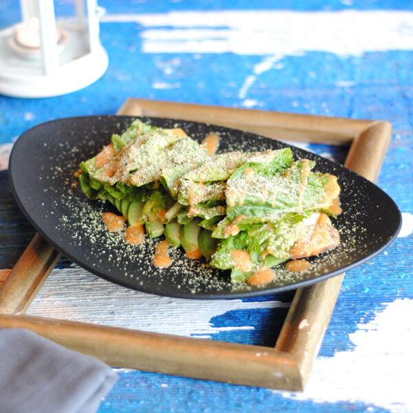 Green салат с куриным филе